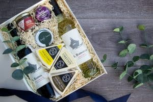 Kielder Luxury Wine & Cheese Hamper