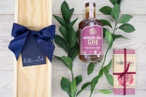 Hadrians Wall Rhubarb Gin Liqueur & Chocolate Box